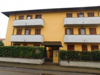 Foto 1 di Trilocale piazza Pietro Delucca, Gravellona Lomellina