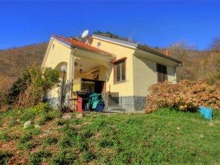 Foto 1 di Villa via isorella, Magliolo