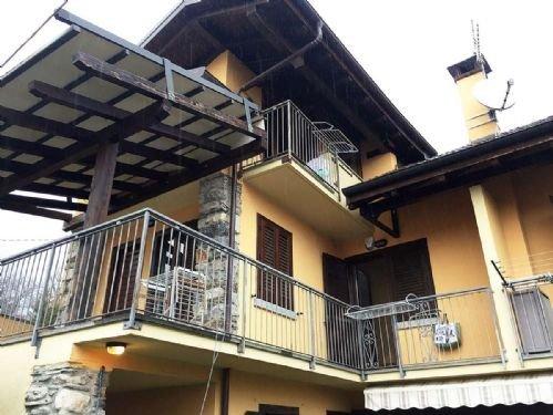 Foto 4 di Villa via crebbia, Casale Corte Cerro