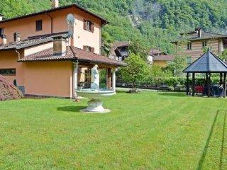 Foto 1 di Villa via per cilimo, Varallo