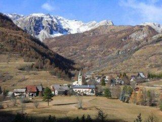 Foto 1 di Rustico / Casale frazione Fenils, Cesana Torinese