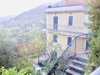 Foto 1 di Rustico / Casale via Piano di Moranego, frazione Moranego, Davagna