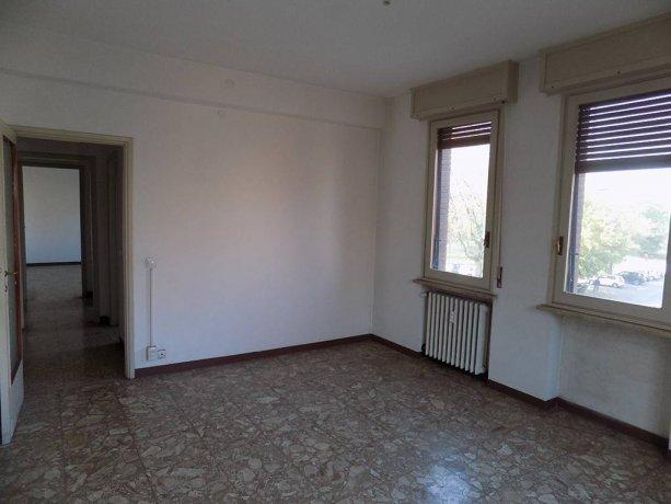 Foto 6 di Trilocale via Montebello, Parma