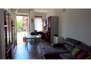 Foto 1 di Bilocale via Castelgomberto , 132, Torino