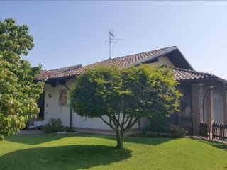 Foto 1 di Villa VIA SAN ROCCO,2, Lenta