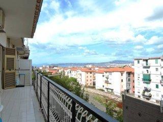 Foto 1 di Quadrilocale traversa Longobardi, Portici