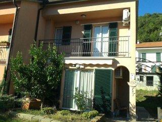 Foto 1 di Appartamento via Massasco, frazione Massasco, Casarza Ligure