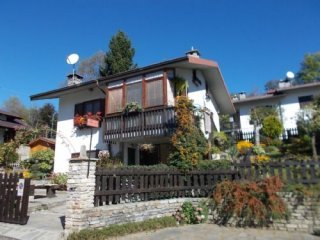 Foto 1 di Villa VIA CAVE, Bagnolo Piemonte
