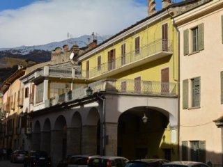Foto 1 di Palazzo / Stabile VIA PALAZZO DI CITTA' 40, Susa