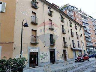 Foto 1 di Bilocale via Borgo Dora, 28, Torino (zona Valdocco, Aurora)