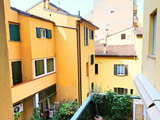 Foto 5 di Trilocale via San Felice 3, Bologna (zona Centro Storico)
