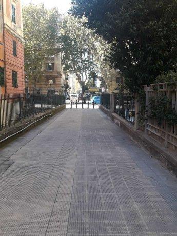 Foto 10 di Appartamento corso Torino, Genova (zona Carignano, Castelletto, Albaro, Foce)