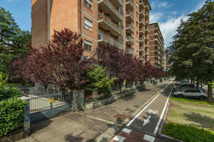 Foto 1 di Appartamento corso Cosenza 81, Torino (zona Santa Rita)