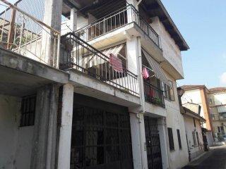 Foto 1 di Rustico / Casale Piazza del Borgo16, Orbassano