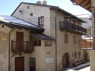 Foto 1 di Bilocale via Chateau, Oulx