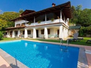 Foto 1 di Villa Pralungo