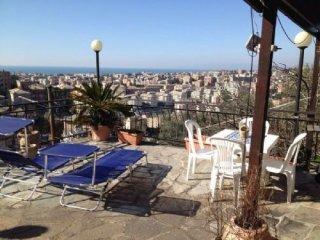 Foto 1 di Casa indipendente Via Buratella 25, Genova