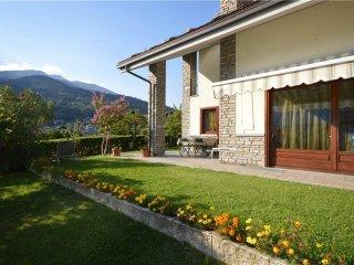 Foto 1 di Villa Rue des Seigneurs de Quart, Aosta