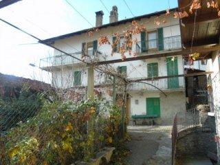 Foto 1 di Palazzo / Stabile Via E.Chanoux, Saint Pierre