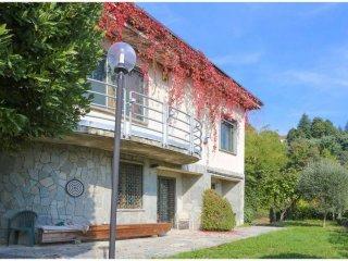 Foto 1 di Villa strada del Nobile 37/23, Torino