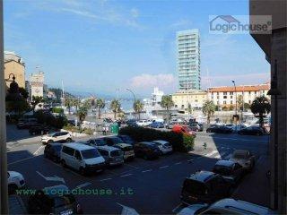 Foto 1 di Loft / Open space via quarda superiore, 2, Savona