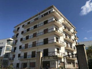 Foto 1 di Palazzo / Stabile salita Melissari, Reggio Calabria