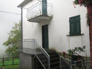 Foto 1 di Casa indipendente Fontanigorda