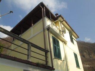 Foto 1 di Casa indipendente Ronco Scrivia