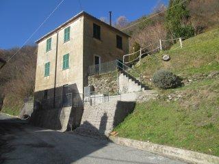 Foto 1 di Casa indipendente Lumarzo