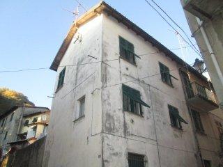 Foto 1 di Casa indipendente Crocefieschi