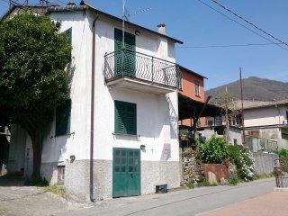 Foto 1 di Casa indipendente Moconesi