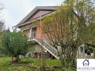 Foto 1 di Villa strada Val Berzano, Casalborgone