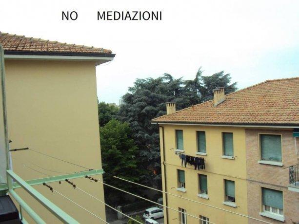Foto 1 di Bilocale via Luca della Robbia, Bologna (zona San Vitale - Massarenti)
