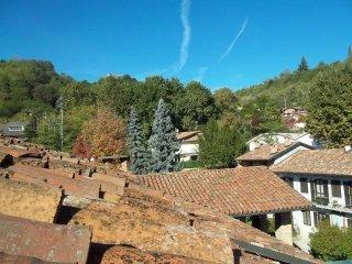 Foto 1 di Quadrilocale via Muratore Camillo  36, Monticello D'alba