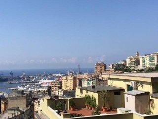 Foto 1 di Appartamento via dei cinque Santi, 3, Genova (zona Oregina-Granarolo, Di Negro)