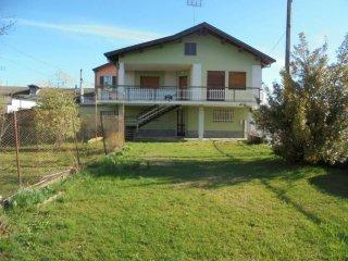 Foto 1 di Villa Via Ricati10, Cuneo