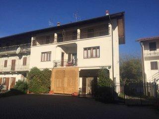 Foto 1 di Casa indipendente via Vialà, frazione Cascine, Romano Canavese