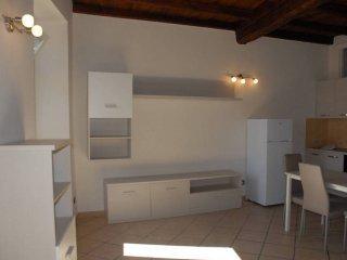 Foto 1 di Bilocale via Ortensia di Piossasco 10, Pinerolo