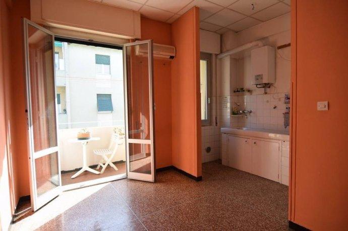 Foto 10 di Trilocale via Struppa, Genova (zona Valbisagno (Prato-Molassana-Struppa-S.Gottardo-S.Eusebio))