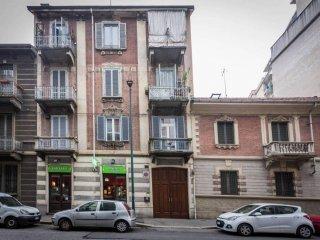 Foto 1 di Trilocale via saffi, 27, Torino (zona Cit Turin, San Donato, Campidoglio)