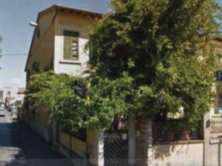 Foto 1 di Quadrilocale via pistoiese 128, Prato (zona San Paolo, Filzi, Pistoiese)