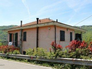 Foto 1 di Appartamento Lumarzo