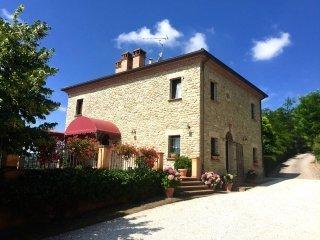 Foto 1 di Villa Roncofreddo