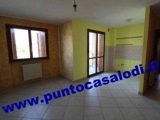 Foto 1 di Trilocale via 20 Settembre, Castiraga Vidardo