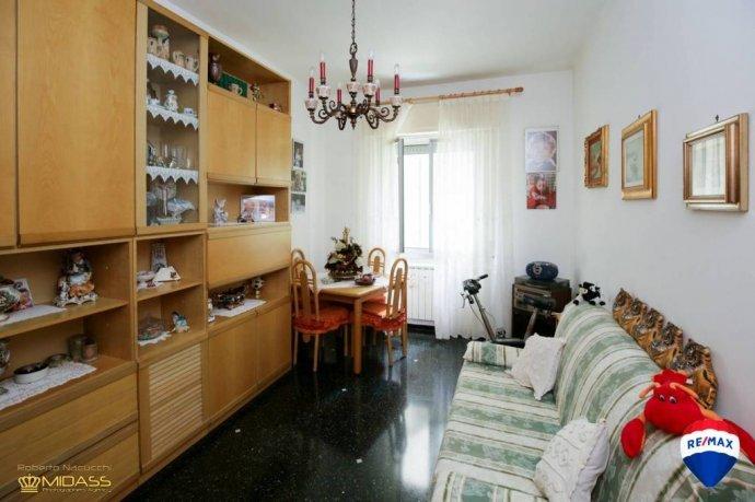 Foto 2 di Trilocale via Bari, Genova (zona Oregina-Granarolo, Di Negro)