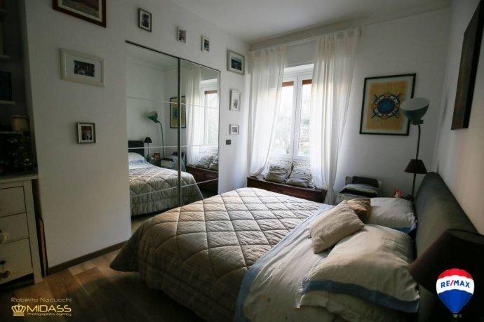 Foto 6 di Quadrilocale via del Commercio, Genova (zona Quinto-Nervi)