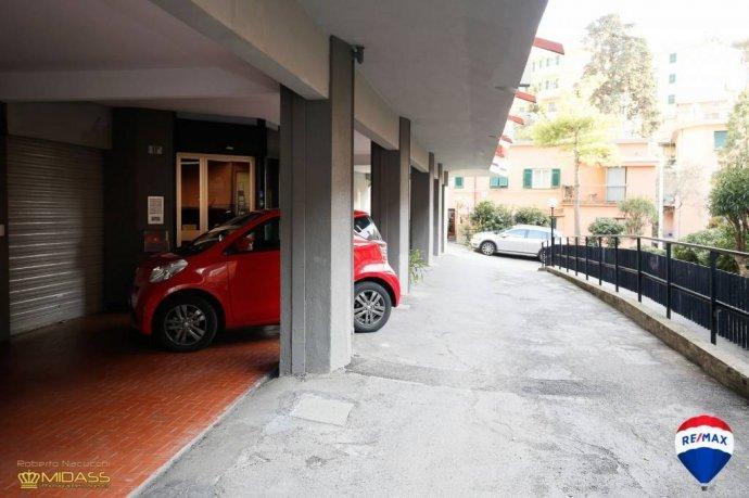 Foto 19 di Quadrilocale via del Commercio, Genova (zona Quinto-Nervi)