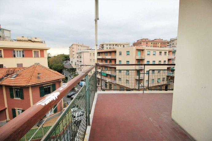 Foto 8 di Appartamento via Massone, Genova (zona Boccadasse-Sturla)