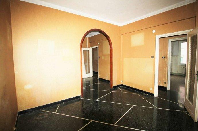 Foto 11 di Appartamento via Massone, Genova (zona Boccadasse-Sturla)