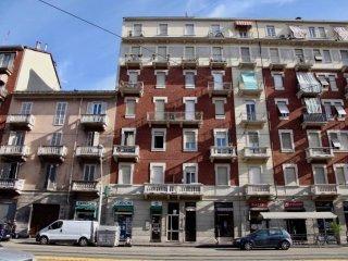 Foto 1 di Trilocale corso Giulio Cesare 118, Torino (zona Barriera Milano, Falchera, Barca-Bertolla)